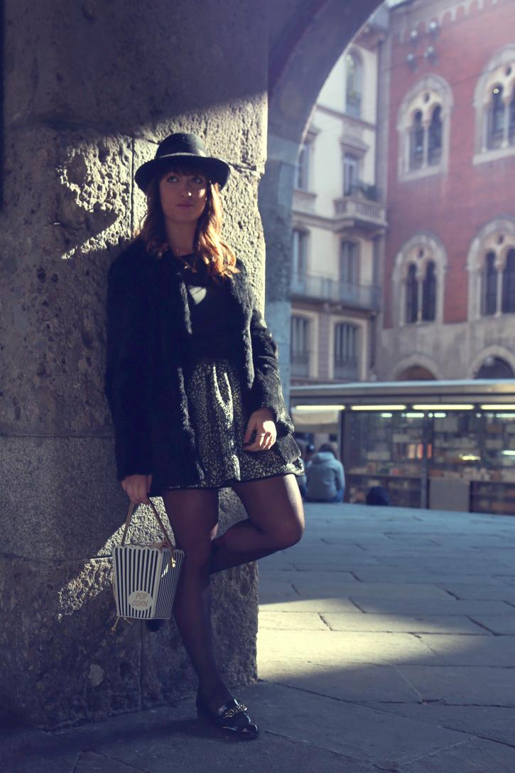 My glamour attitude, fashion blog, fashion blogger, milano, mfw, milan, fashion week, moda, outfit, look, fashion, patrizia pepe, new look, pop corn, bag, borsa, fur, pelliccia, cappello, liu jo
