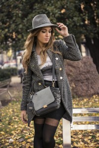 my glamour attitude, fashion blog, maria giovanna abagnale, fashion blogger, napoli, milano, outfit, look, enogrev, jadise, bag, borsa, bon prix, coat, london, grey, skirt, leather, golden point, collant, rock your legs, hat, lorenzo pandarolo ph